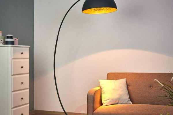 classic-vintage-industrial-standing-lamp